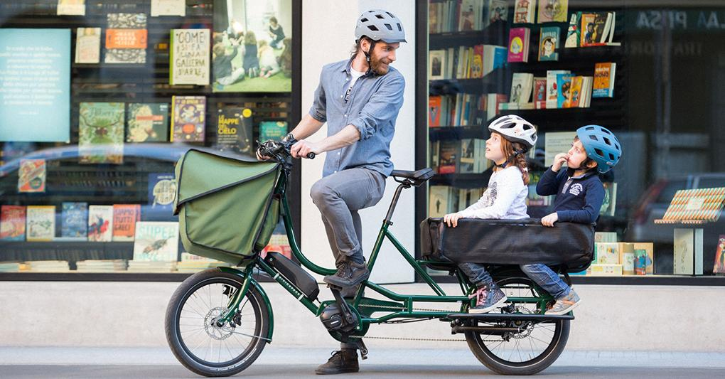 Per famiglie, consegne o lavoro: anche in Italia avanza la cargo bike